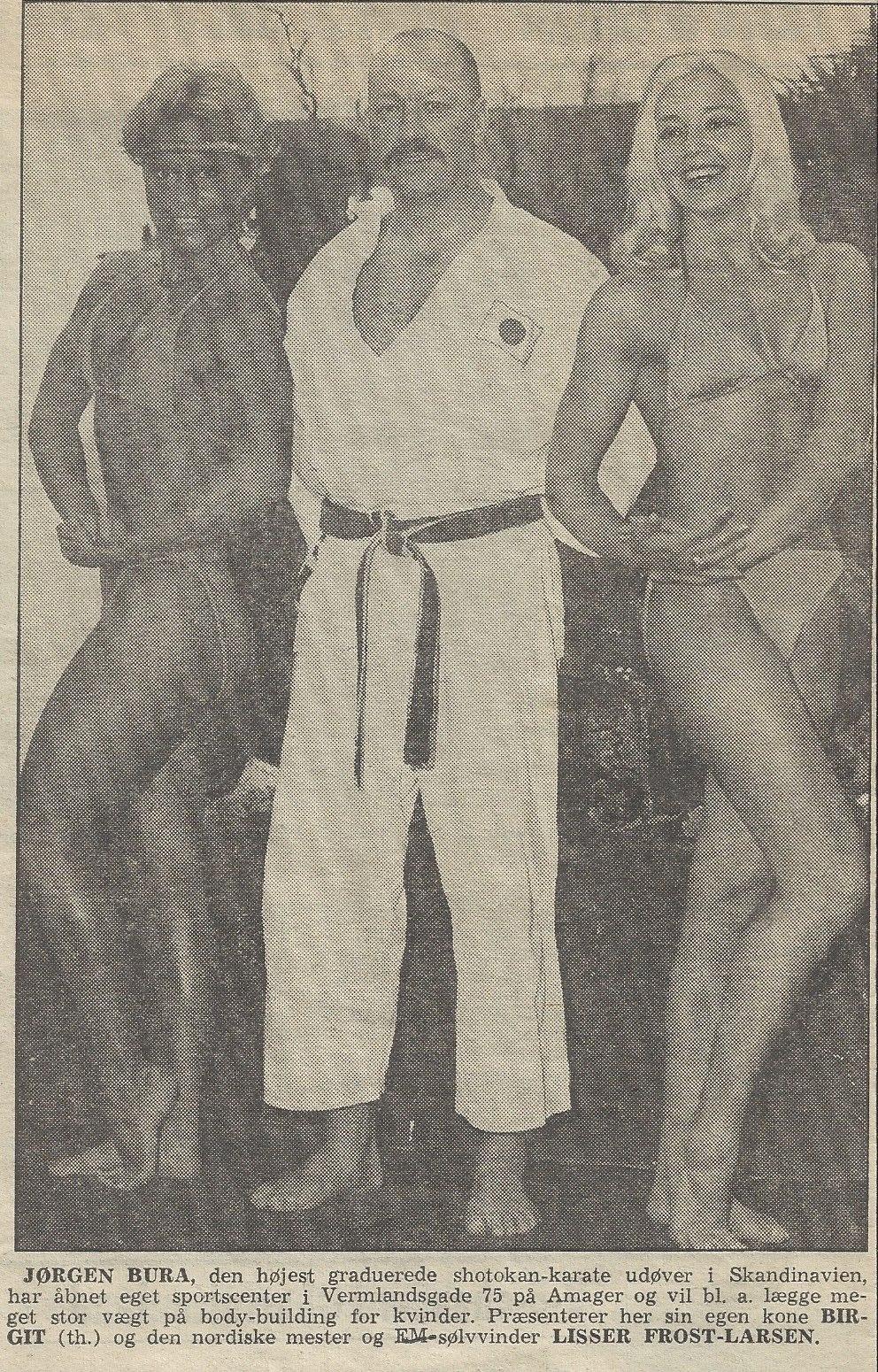 Fra de gamle arkiver: Tilbage i 1983 i Vermlandsgade. Lisser Frost, Sensei og Birgit i en lokal annonce.