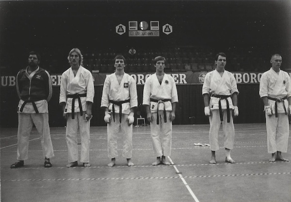 Nordisk mesterskab i KB-Hallen. Danmark vandt alle sine kampe og tabte. Der var ingen der ville kæmpe mod Danmark og vi tabte for hård kontakt. En speciel taktik dengang. Willy Schønberg som coach.